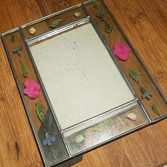 Other - Vintage Pressed Flowers Photo Frame
